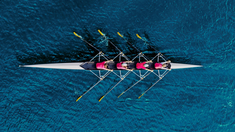 Team in rowing boat